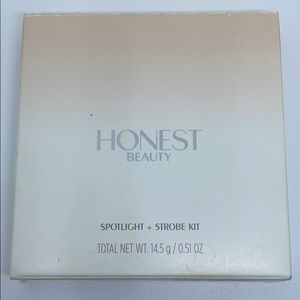 Honest Beauty spotlight + strobe palette kit